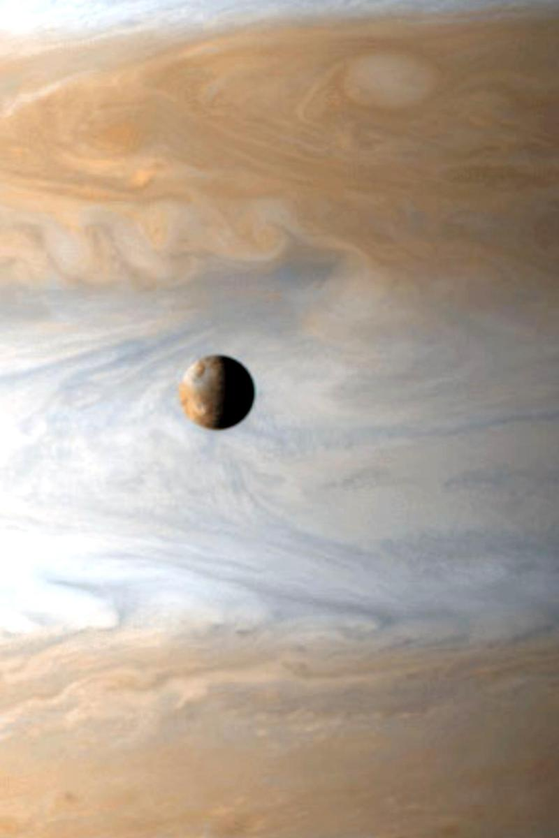 New_io_over_jupiter_2