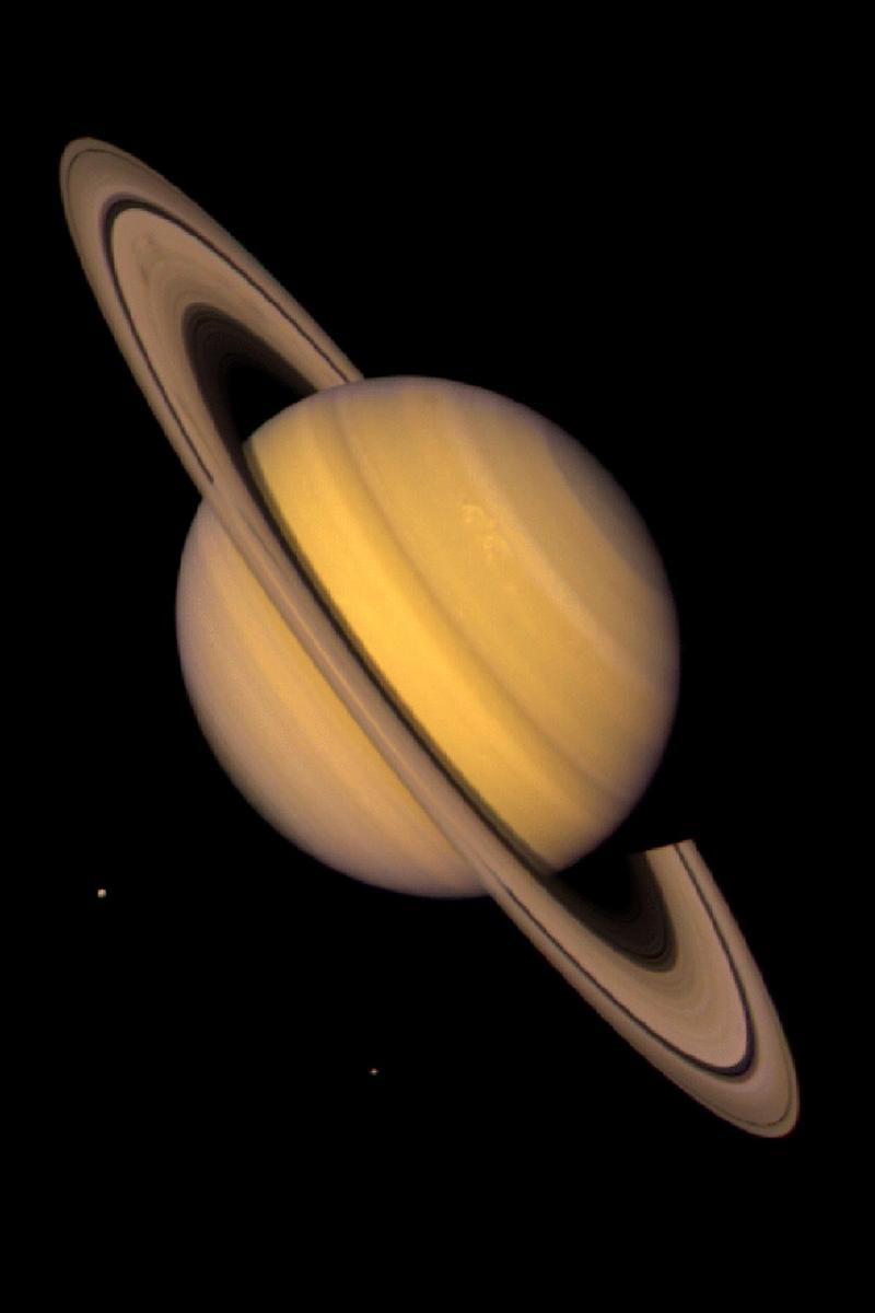 Saturn_portrait